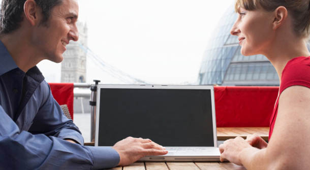 online dating profile dos and donts There is such a lot of conflicting advice out there on how to write your online dating profile and let's be honest, it is important to get it right.