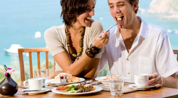 dating while dieting Dieting may seem like an impossible feat, especially when you're trying to do it for long periods of time allowing one cheat day weekly, which is a day you can eat whatever you want to, is common among dieters while you don't have to allow yourself a cheat day, you may reap some benefits when.